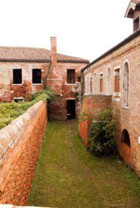 venezia-lazzaretto-vecchio-loggia