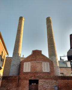 Le- ciminiere-della- vecchia-fabbrica- del- vetro-denominata-le-Conterie-di-Murano