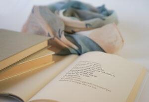 foulard-con-poesia-di-franco-armino...